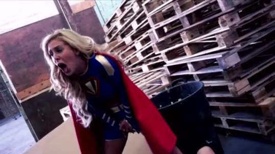 Superheroine lowblow 2